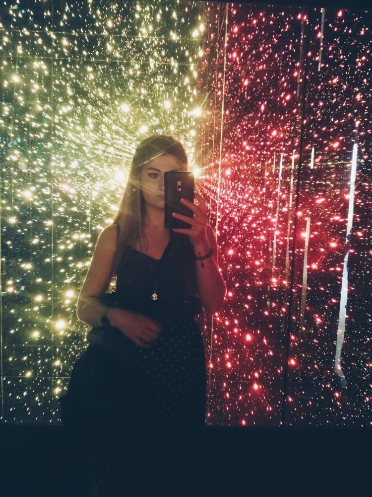 Fiber-optic-light-selfie